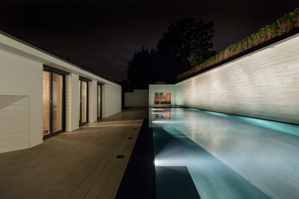 Lounge Liege Pool Aussenpool Mit Whirlpool, Sauna | Wellness & Spa