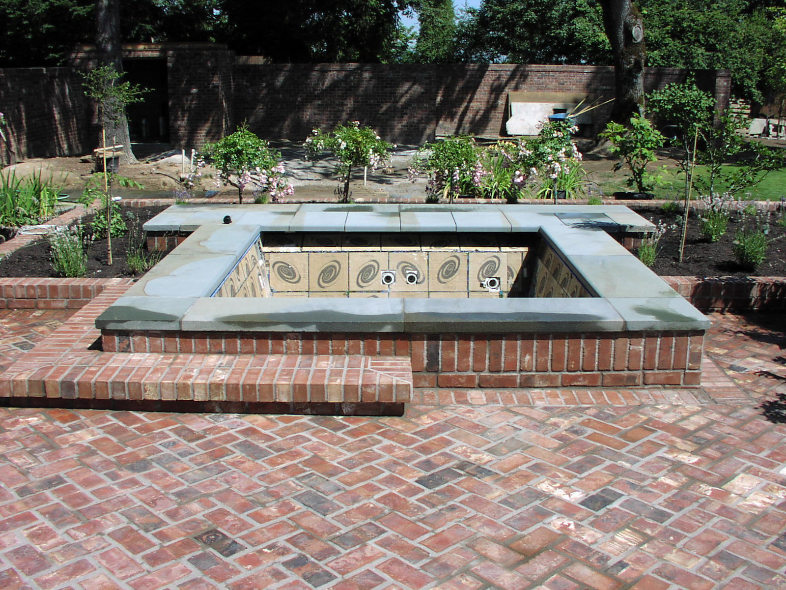 Jacuzzi Pool Top Caps Brick Patio With Jacuzzi On Top