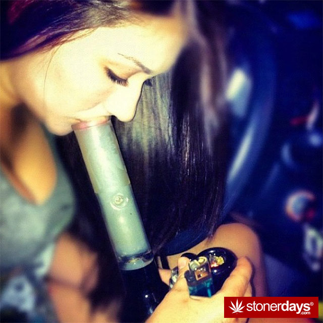Fitness Girl Iphone Wallpaper Weed Loves Bongs Stoner Pictures Updated Daily