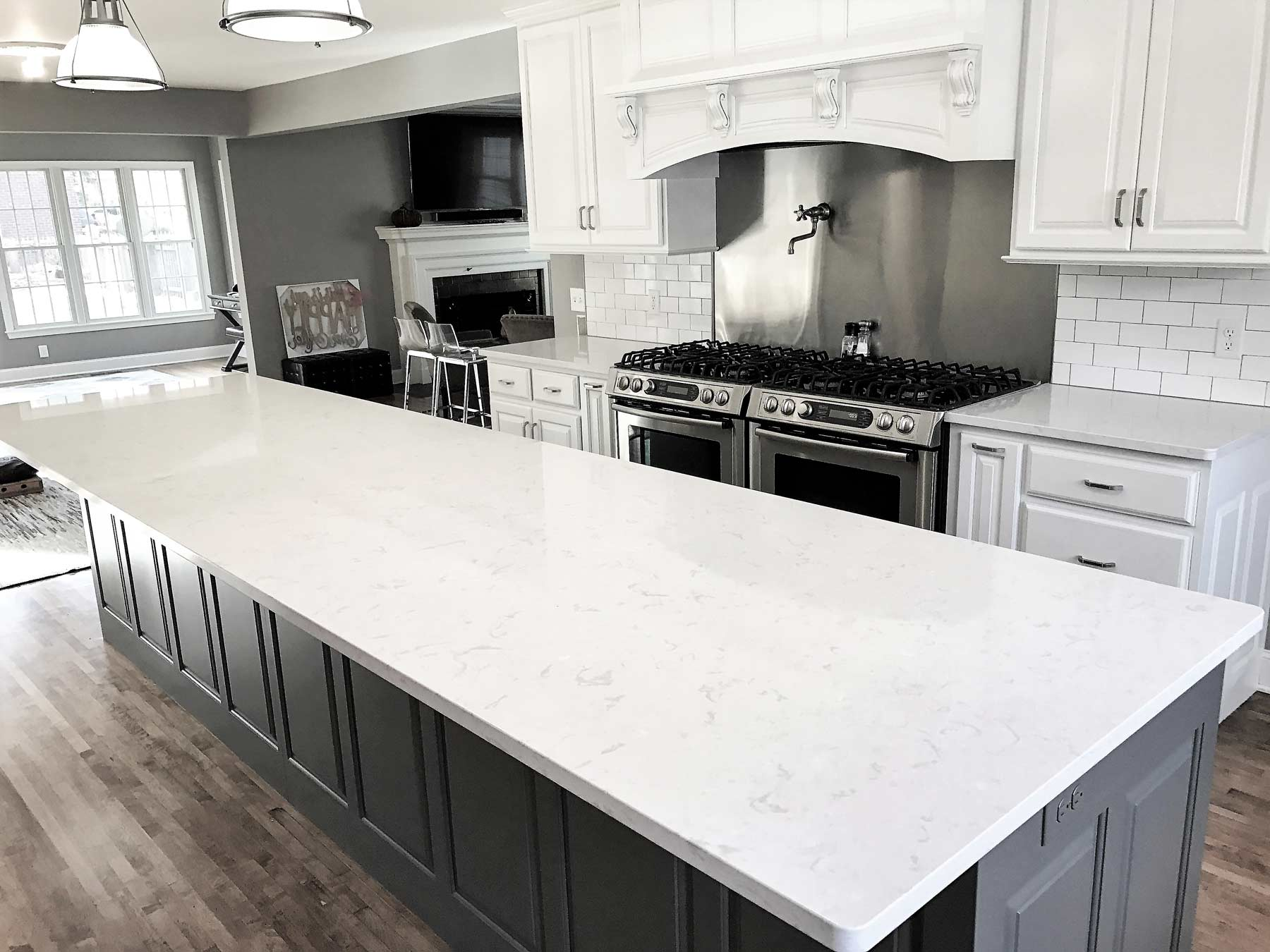 Custom Kitchen And Bathroom Quartz Countertops In Toronto Mississauga Oakville And Brampton