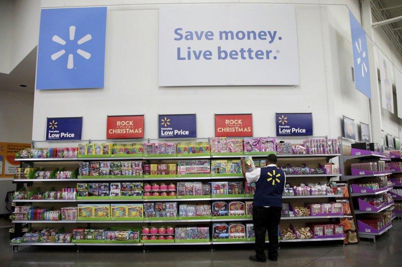 Walmart\u0027s bruising battle with Amazon saps its 4Q results