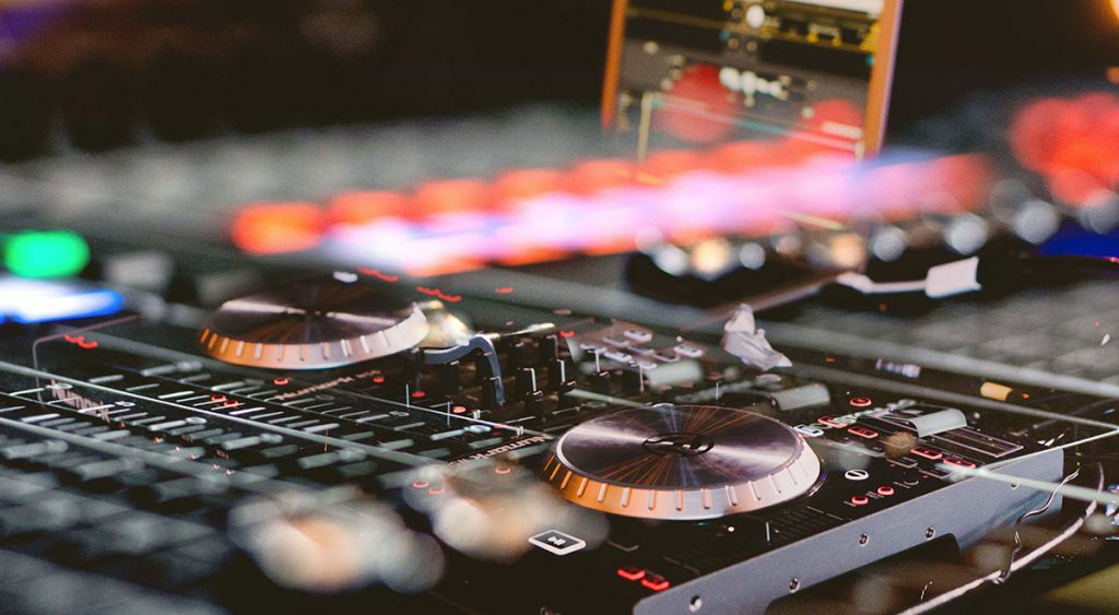 Introduction to DJing - CityVarsity Online