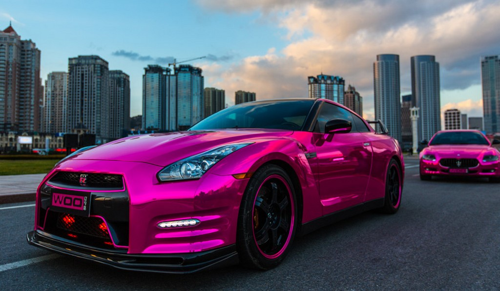Custom Classic Car Wallpapers Gallery Chrome Pink Wrapped Nissan Gt R And Maserati
