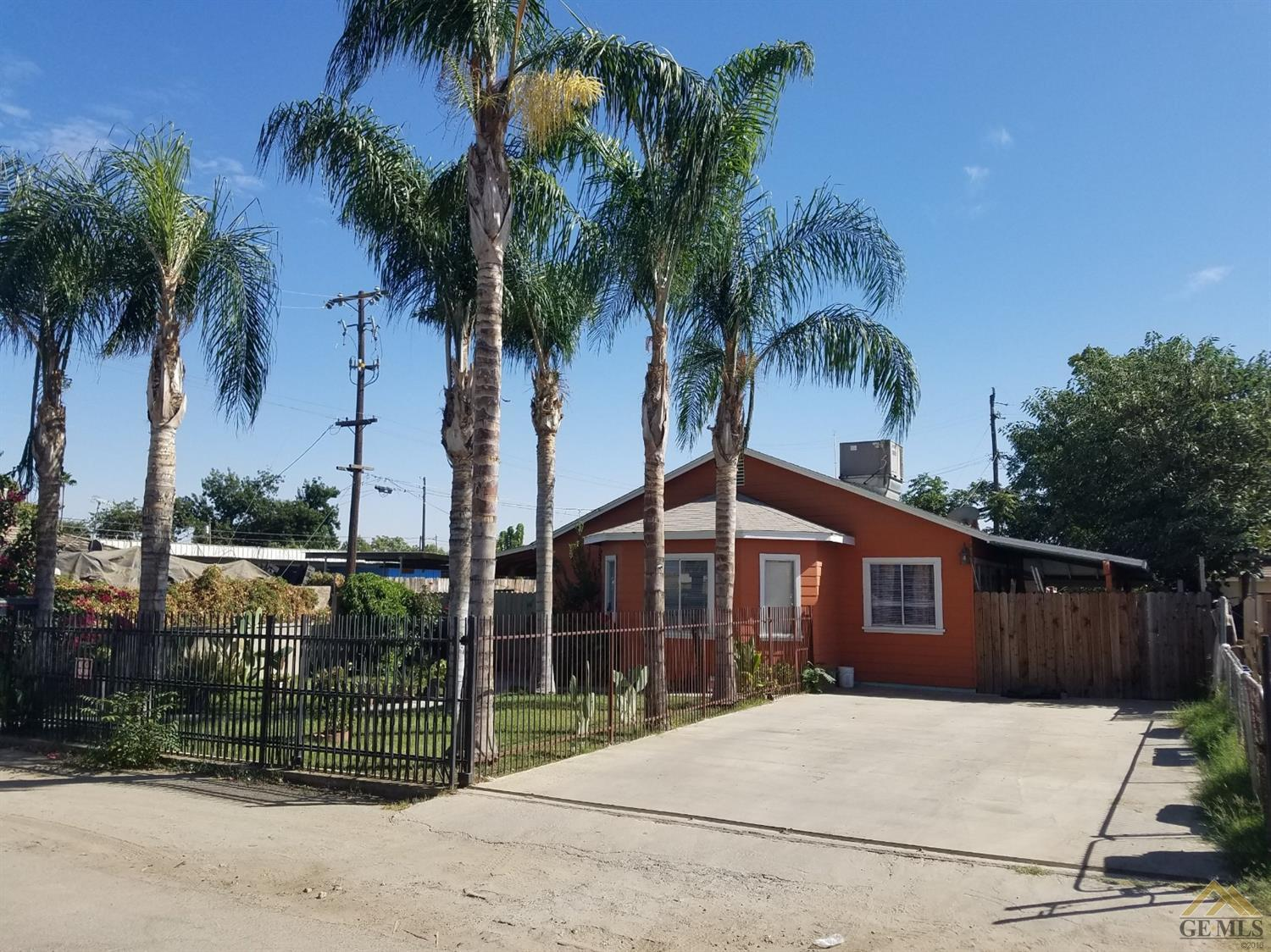 Hom In Sessel 2 Bed 1 Bath Home In Bakersfield For 125 000