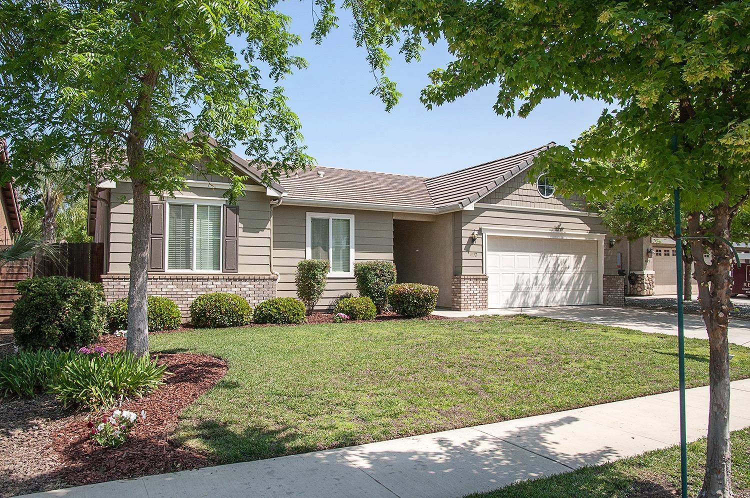 Hom In Sessel 4 Bed 2 Bath Home In Visalia For 279 000
