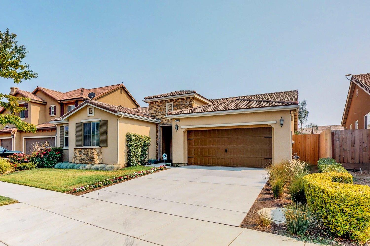 Hom In Sessel 3 Bed 2 Bath Home In Visalia For 324 900