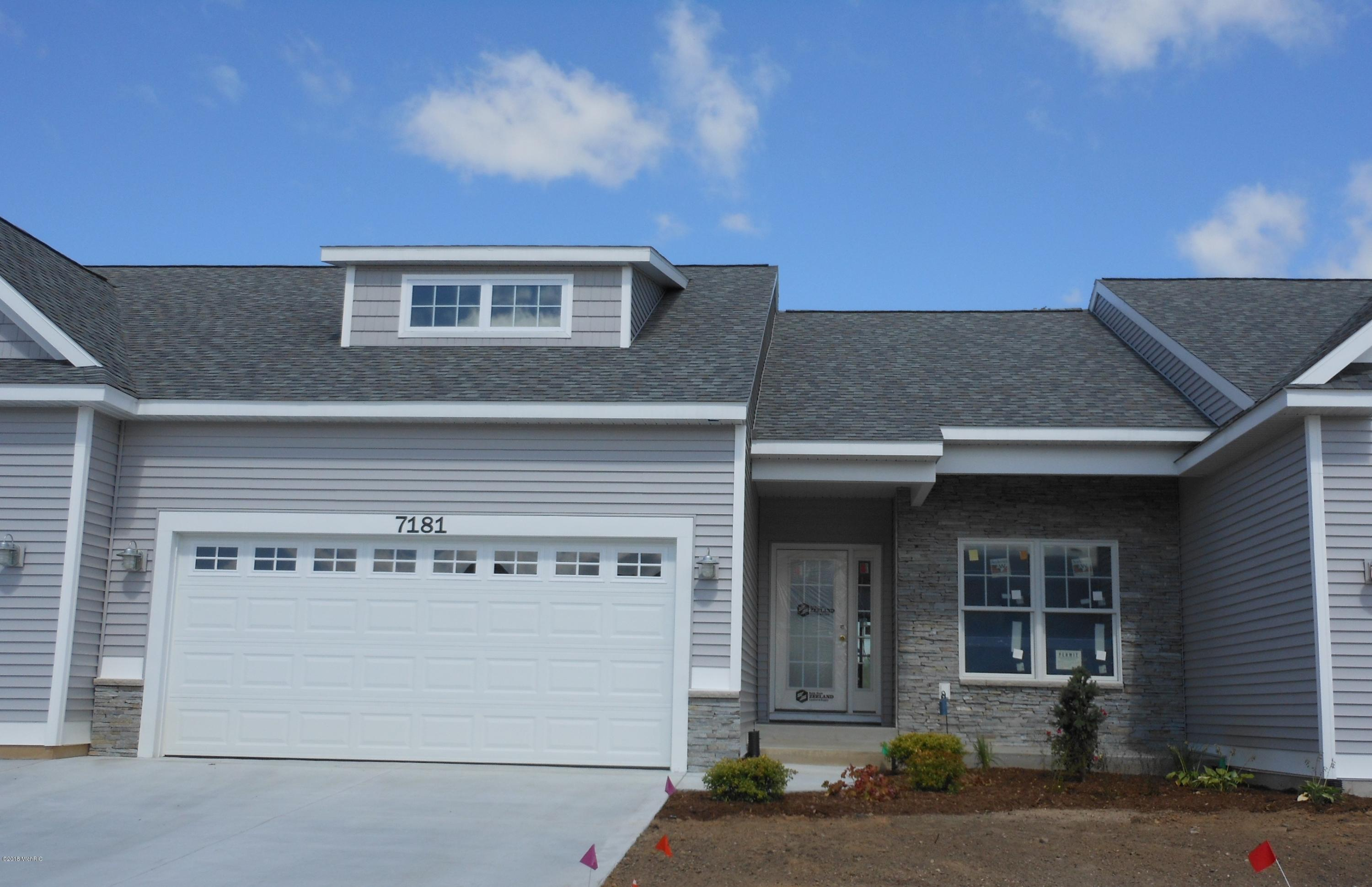 Garage Sale Zeeland 2 Bed 3 Bath Condo Townhouse In Zeeland For 268 500