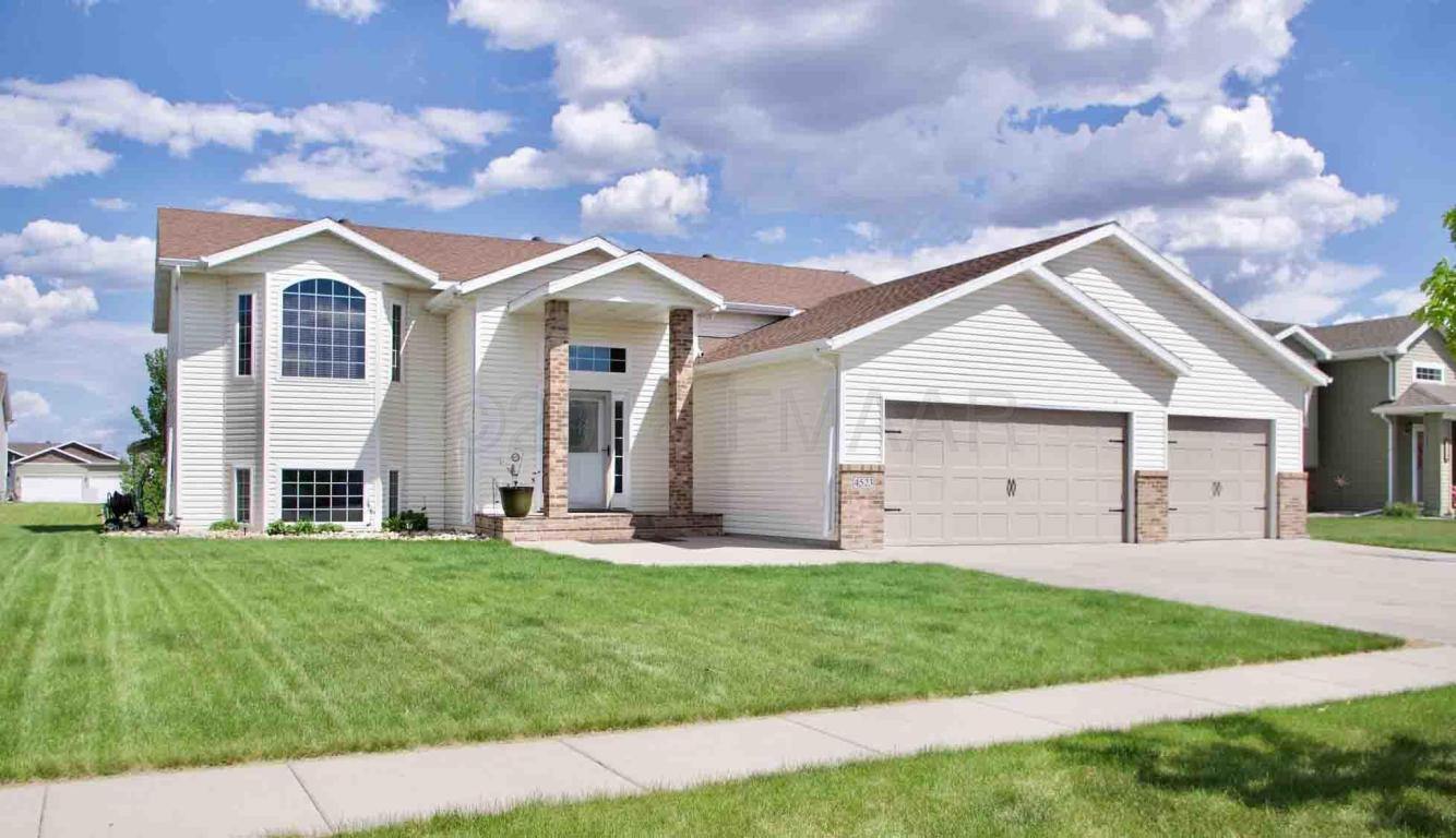 Carpet Garage In Fargo Nd 5 Bed 3 Baths Home In West Fargo For 297 900
