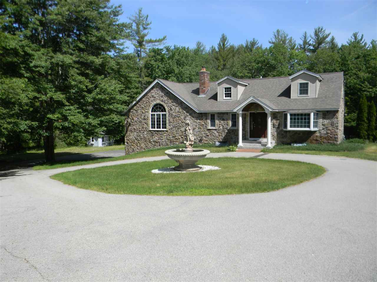 Garage Boston Manor Road 4 Bed 3 Bath Home In Goffstown For 394 900