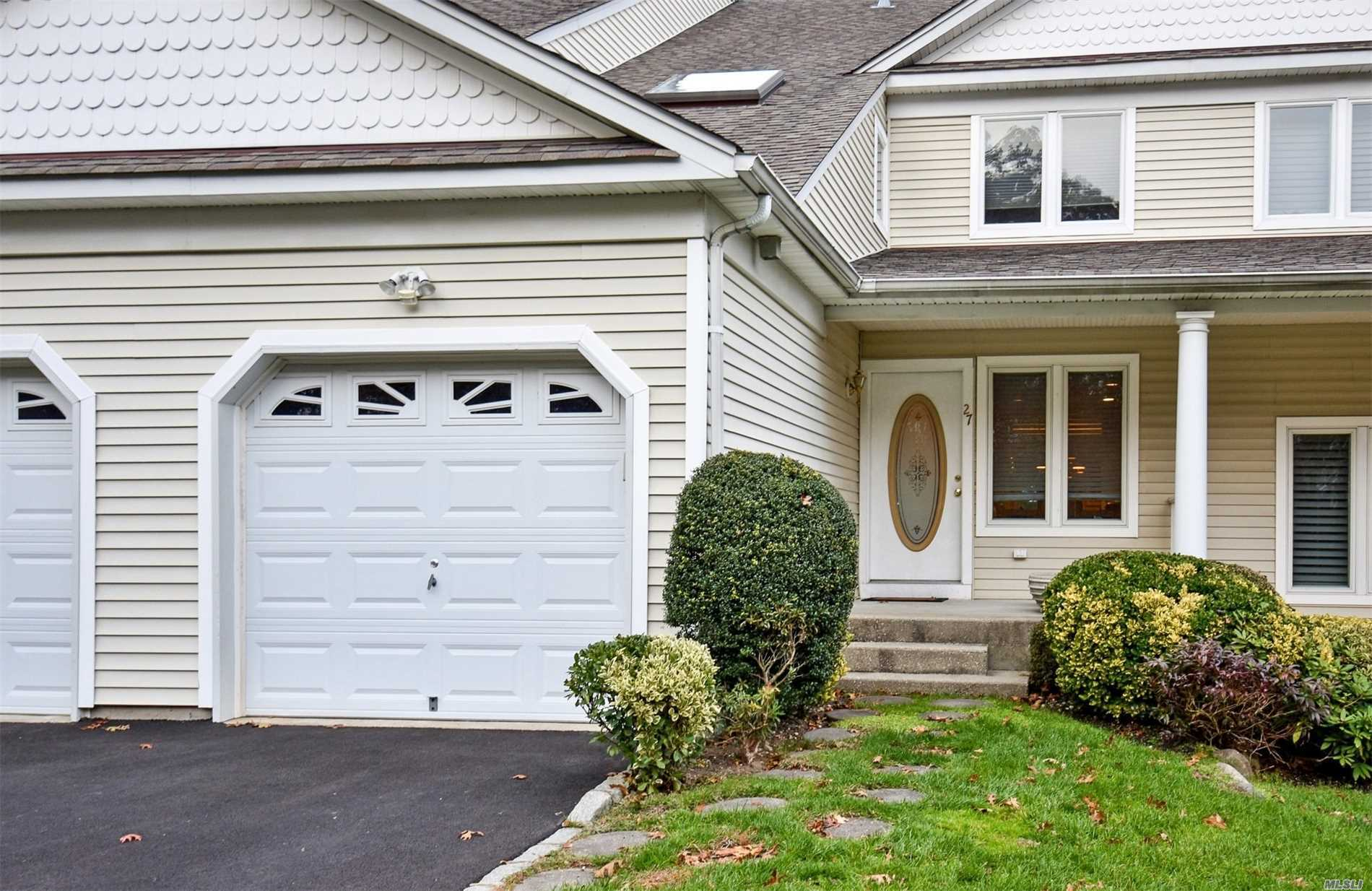 Garage For Sale Long Island 27 Lindbergh Cir Huntington Ny Mls 3080736 Long Island