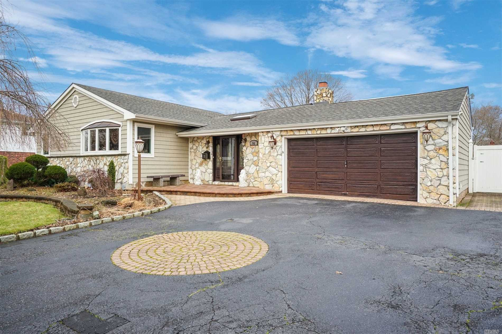 Garage For Sale Long Island 3 Bed 2 Bath Home In Commack For 499 000