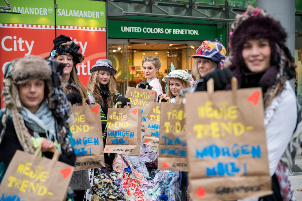 Black Friday Deutschland 2017 Black Friday Greenpeace Calls Timeout For Fast Fashion