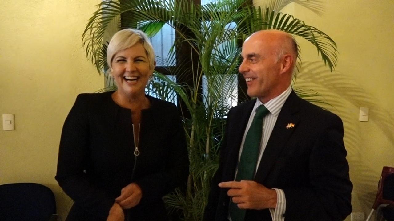 Procesocomdo Embajador Espanol Visita La Residencia