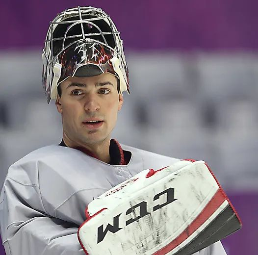 Girl Wallpaper For Iphone 4 Carey Price To Start For Team Canada Against Norway