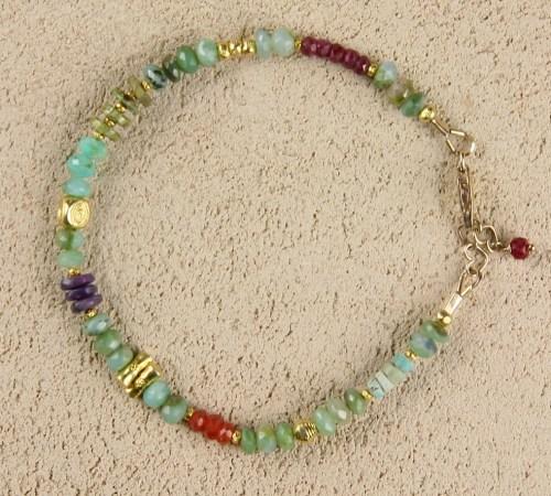 Peruvian opal bracelet in gold
