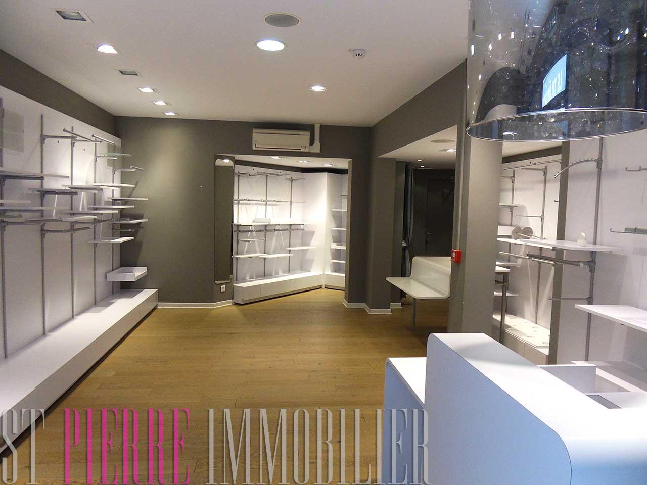location local commercial passage du commerce niort st pierre immobilier niort. Black Bedroom Furniture Sets. Home Design Ideas