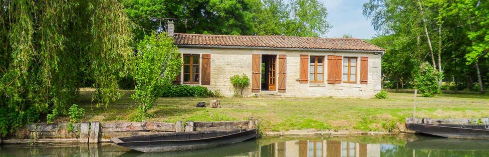 Jolie Maison dans le Marais à Coulon
