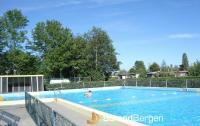 La Fleur, gepflegter Ferienbungalow mit Schwimmbad im Park