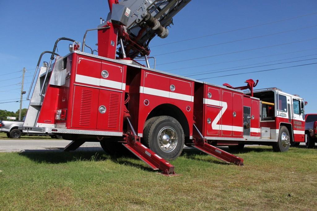 1982 hendrickson fire truck pumper for sale