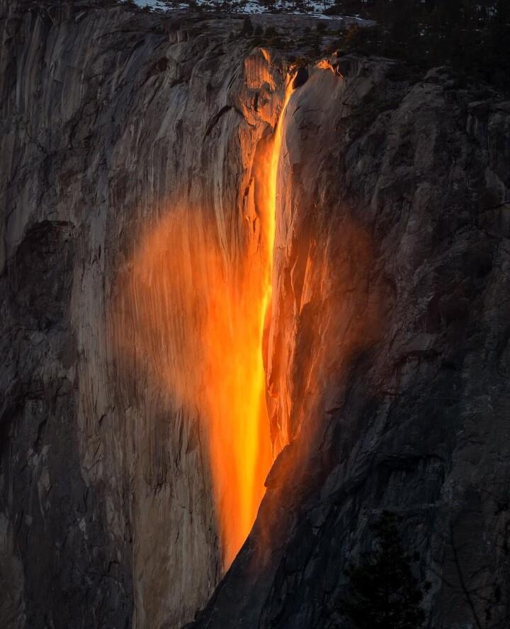 Yosemite Lava Falls Wallpaper Firefall Yosemite S Horsetail Fall Glows Orange To Red In