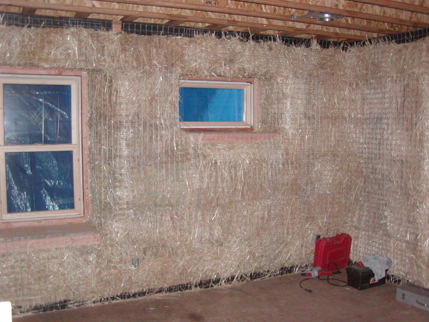 Plaster Building Firmly Attach Mesh To Protect Your Plaster Strawbale