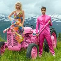 moods-jente-og-gutt-traktor