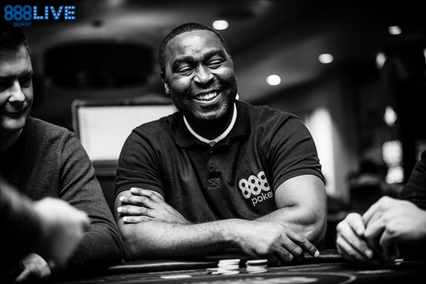 live poker tells