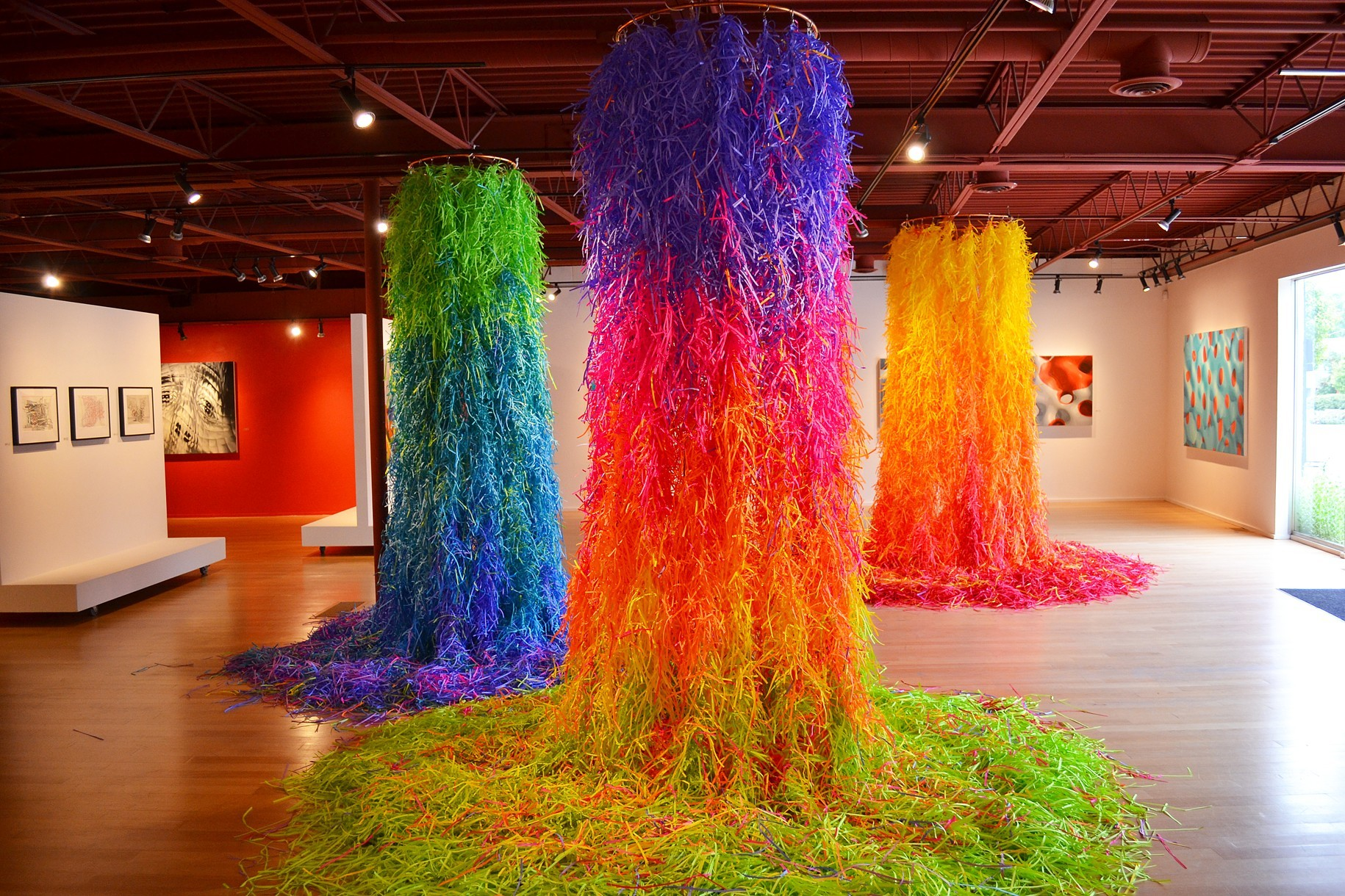 Buntes Papier Colorful Shredded Paper Installations By Travis Rice