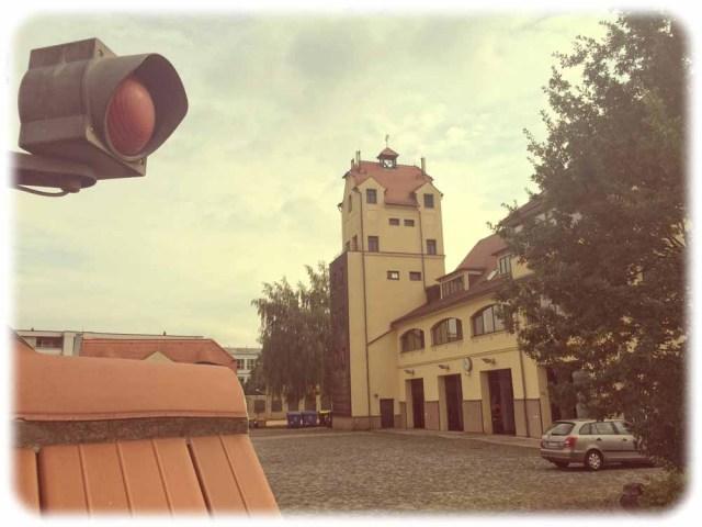 Die Feuwerwache Striesen entstand nach Entwürfen von Hans Erlwein. Sie ist seit fast 110 Jahren in Betrieb. Foto: Heiko Weckbrodt