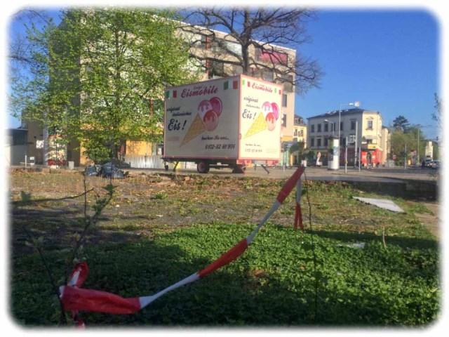 Jahrelang eine ruinöse Brache: Das Grundsrück an der Ecke von Bärensteiner und Altenberger Straße. Foto: Heiko Weckbrodt