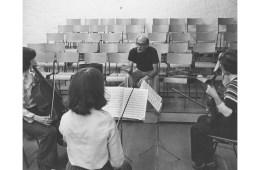 Violist Cecil Aronowitz teaching at the Britten Pears School