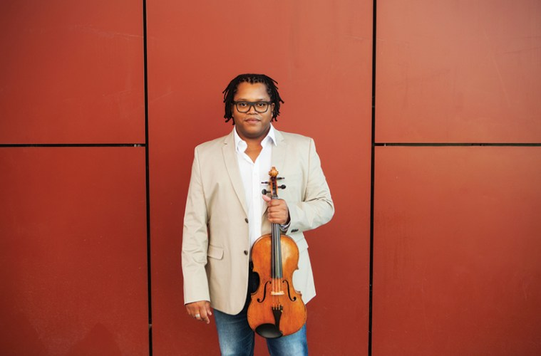 Violist Clifton Harrison (Photo: Aiga Ozolina)