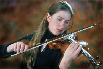 Violinist Christina Day Martinson