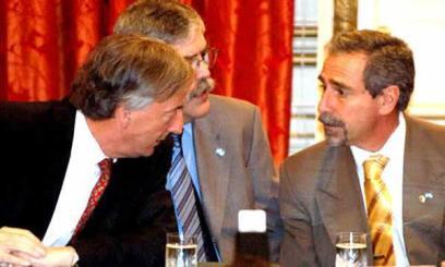 Nota-Con ayuda de los K, Calcaterra y Macri enterraron 45 mil millones.(1).odt7