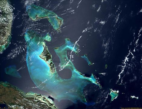 784px-Satellite_image_of_Bahamas_in_April_2000