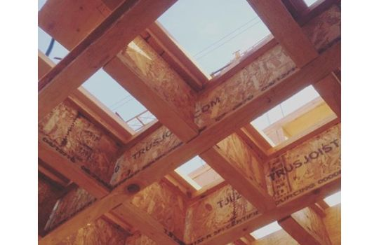 Roofing assembly with blocking for extra strength 🏻#TGI….F #construction #architecture #design #building #vanarch #SHA #bigknight #multifamilydwelling