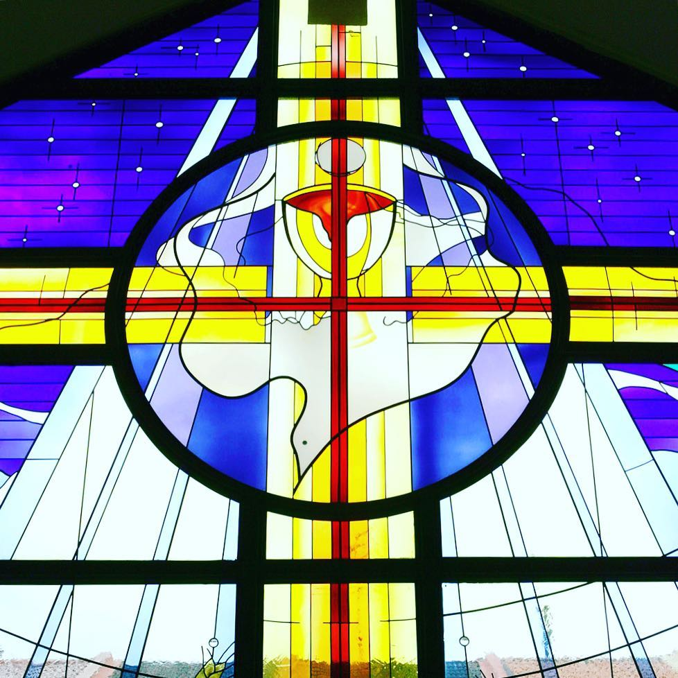 """My soul magnifies the Lord, and my spirit rejoices in God my Savior"" • Blessed Christmas to all of you! Peace and goodwill unto all mankind and our wish for you is to experience lasting joy and hope:) • #Christ #christmas #magnificat #peace #joy #hope #love #stainedglass #charismethodistchurch #studioasobi"
