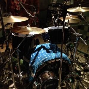 ドラムレコーディングに特化した機材そろってます。