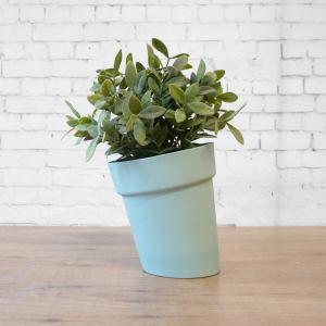 C04 cool green Distorted flowerpot