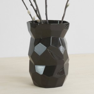 C01-14 FRONT poligon back vase - general - black polygons facetted design - studio lorier designs