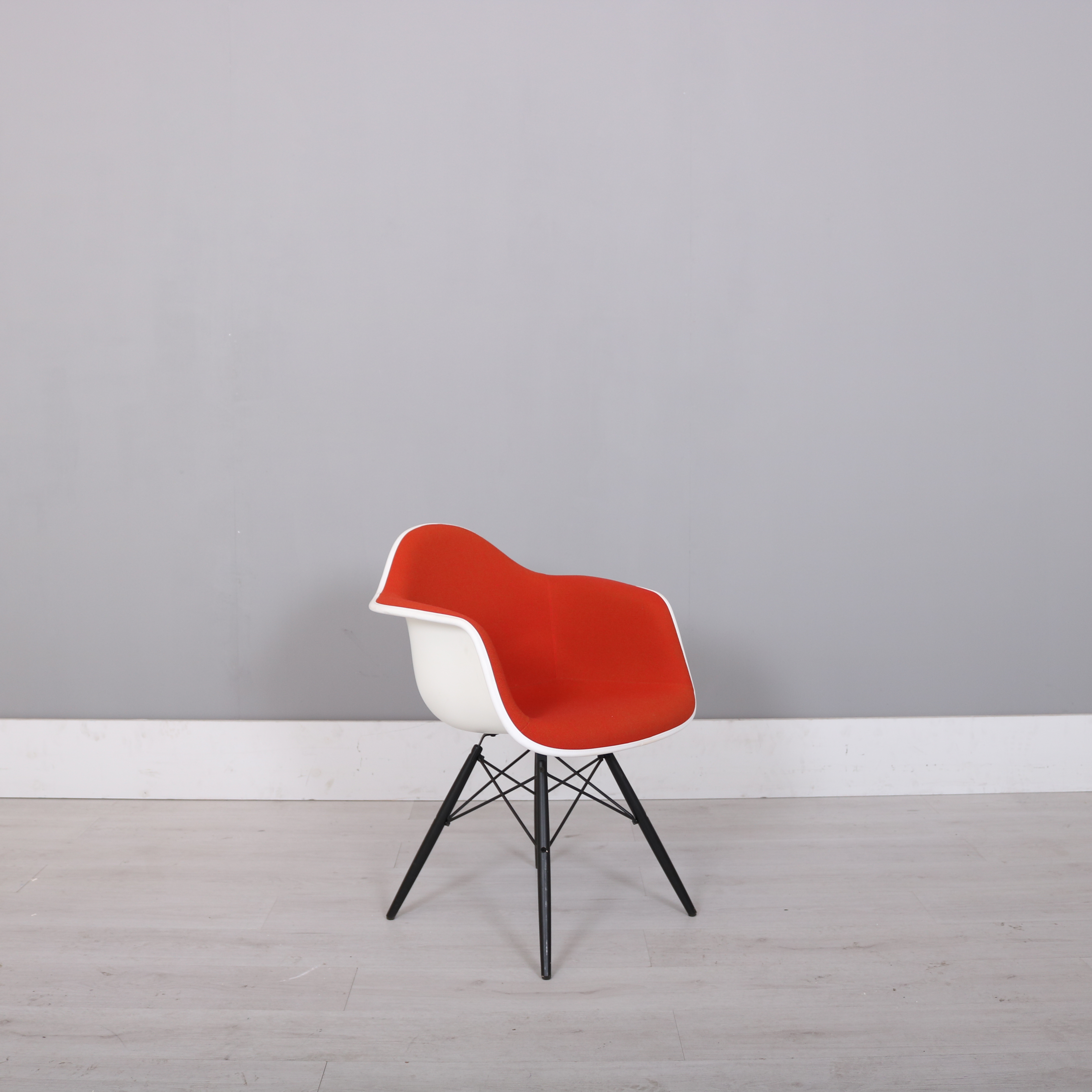Eames Chair Dar Vitra Charles Eames Red Padded Dar Chair