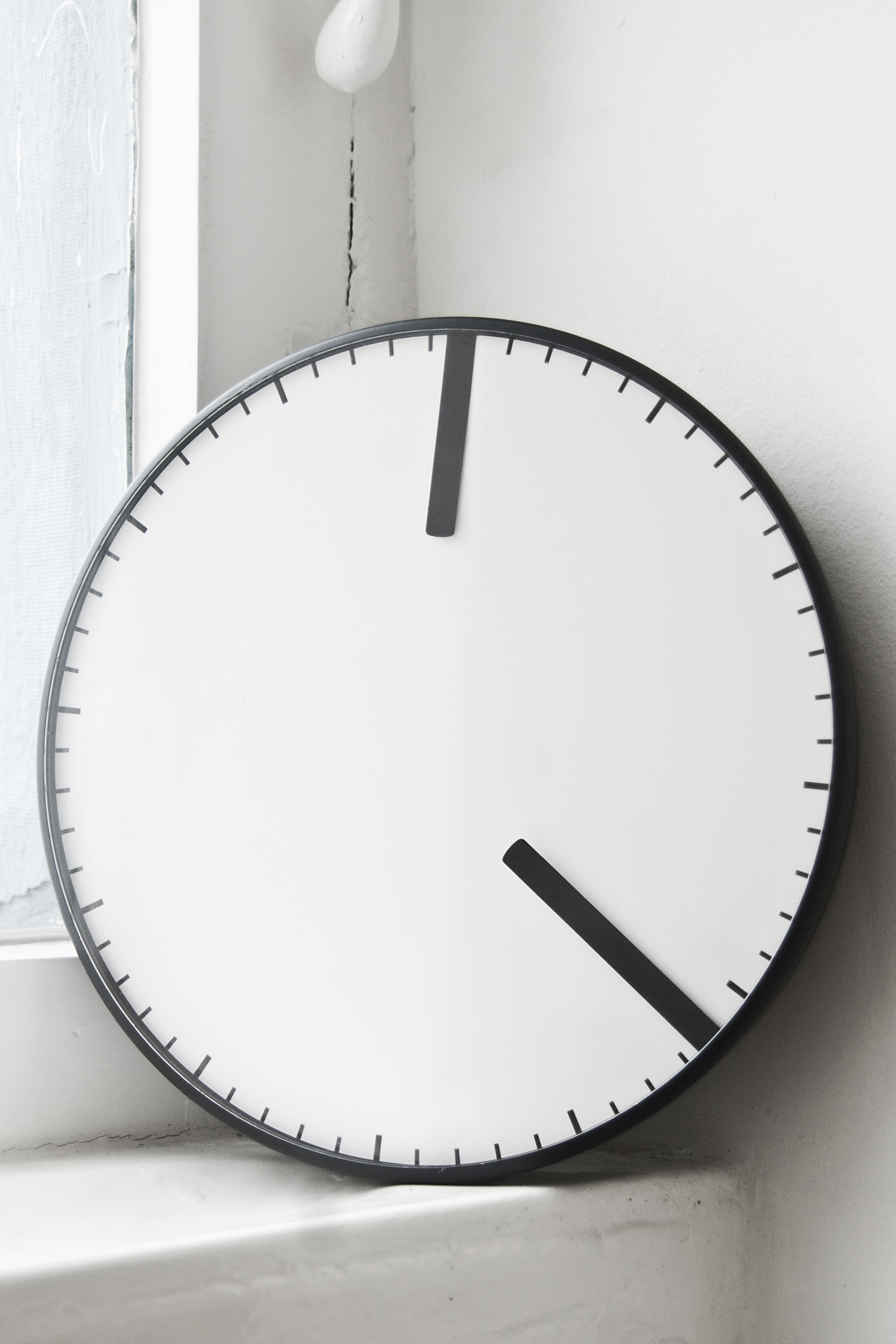 Oval Clock Face Cling Studio Rem