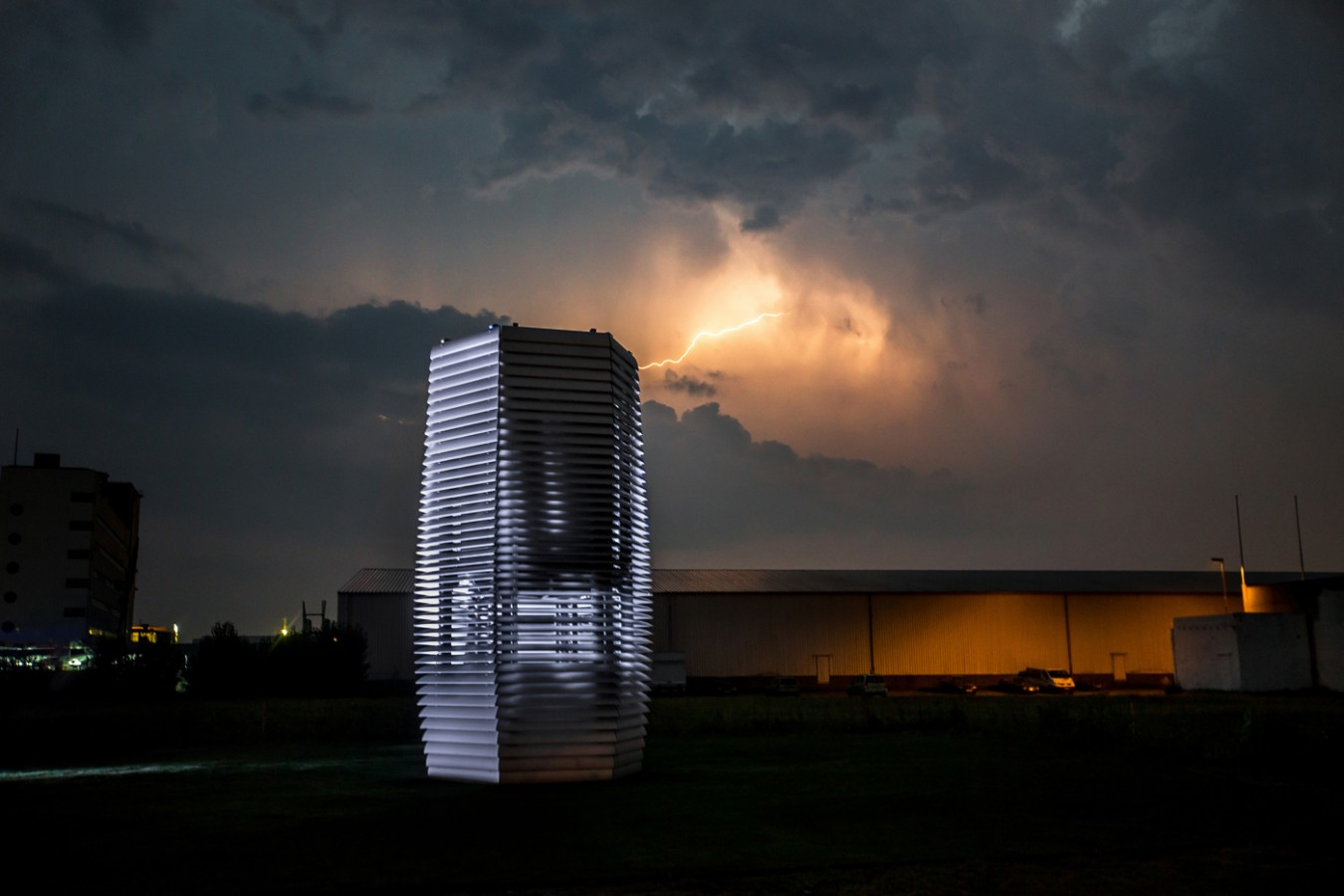 Menu Windlicht Studio Roosegaarde — Smog Free Project Photos