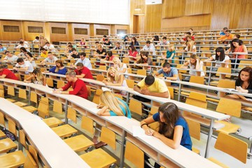 How to Stand Out in a Giant Lecture Hall