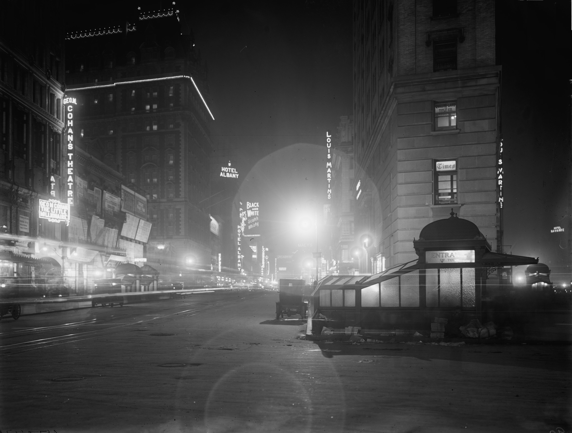Albergo York Old New York In Photos 61 Broadway At Night 1911