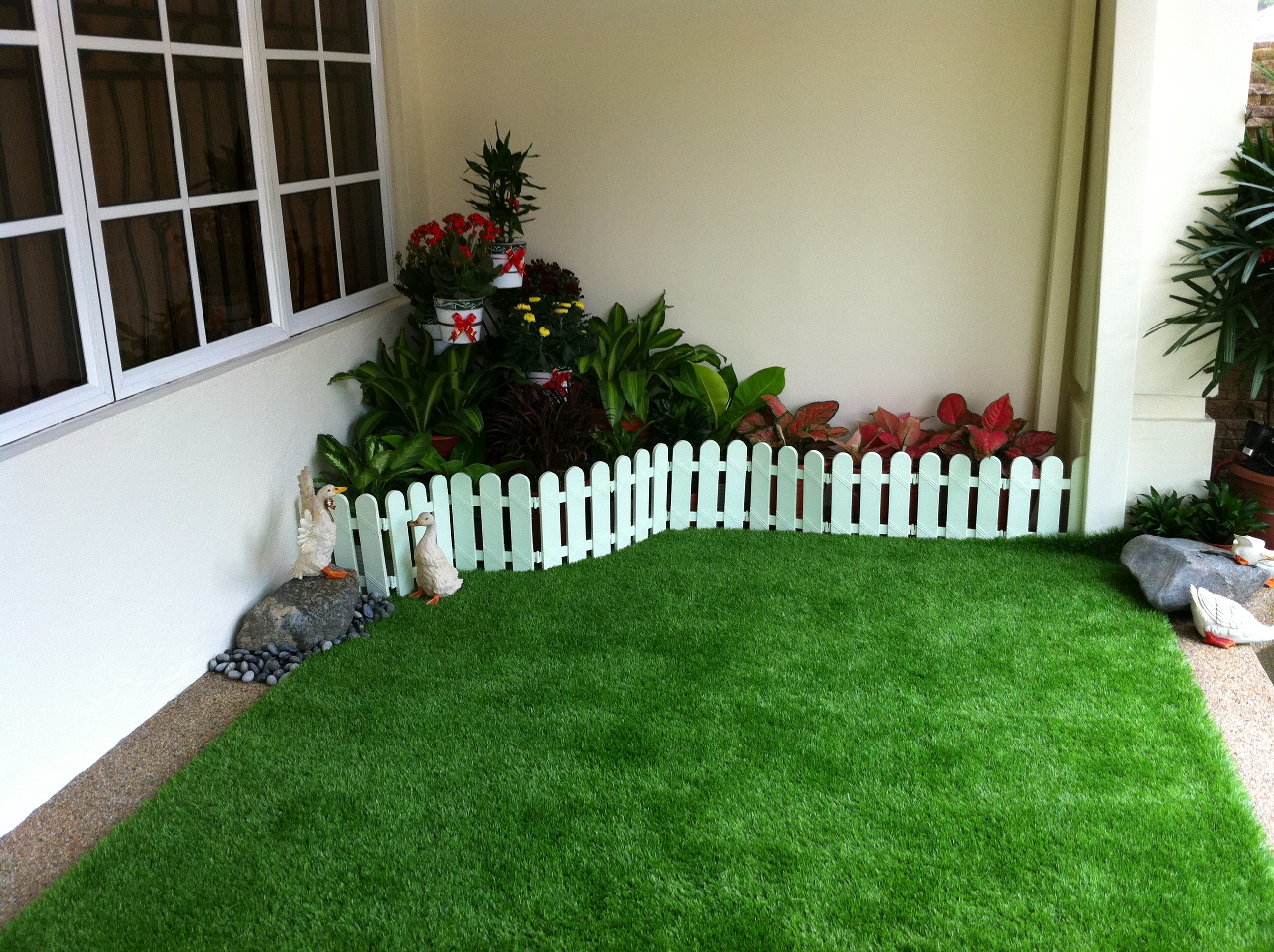 Home En Garden Beautify Your Home Garden With Artificial Grass Or