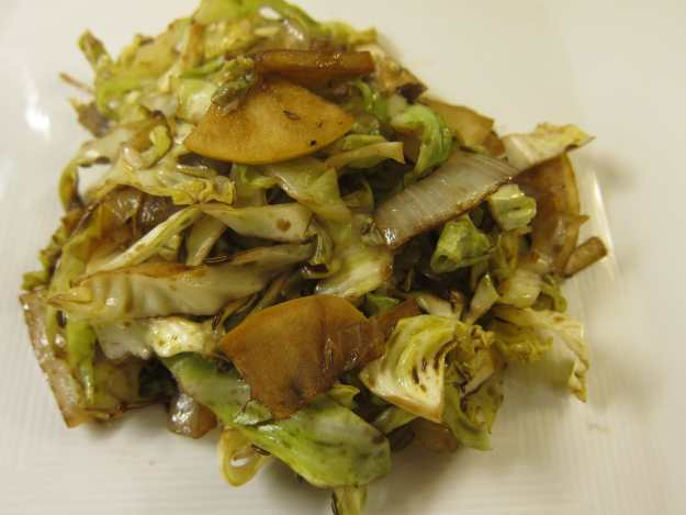 Cabbage with Apple and Onion | stupideasypaleo.com