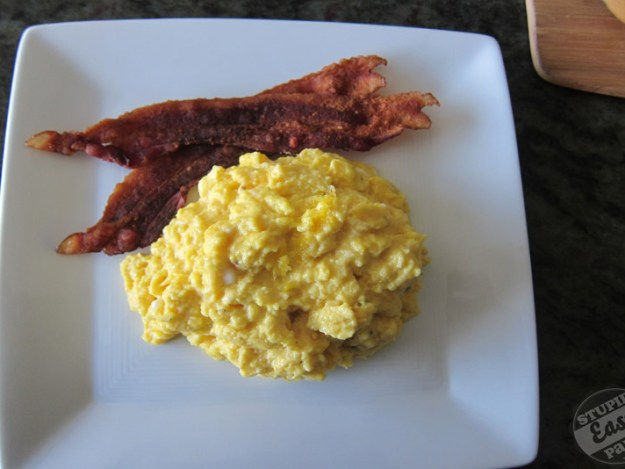 Perfect Scrambled Eggs | stupideasypaleo.com