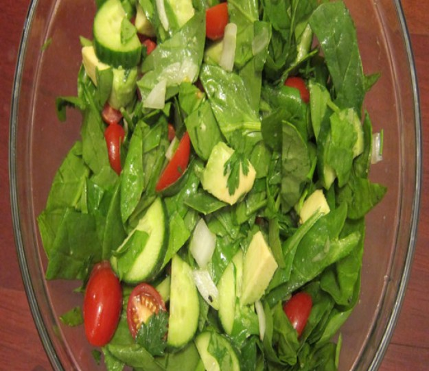 Spinach Avocado Lime Salad | stupideasypaleo.com