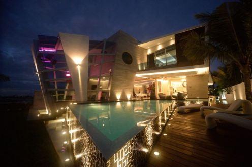 כמו צבע - השקעה בתאורה יכולה לשדרג את עיצוב הבית.